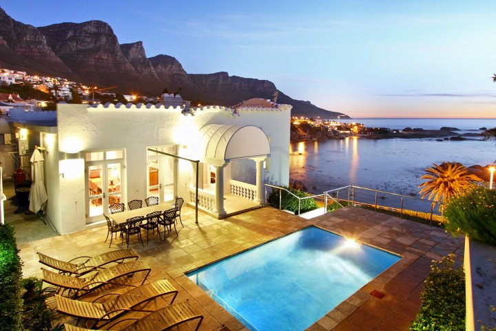 Camps-Bay-holiday-accommodation