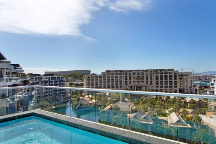 Juliette V A Luxury Cape Town Waterfront Marina Apartment