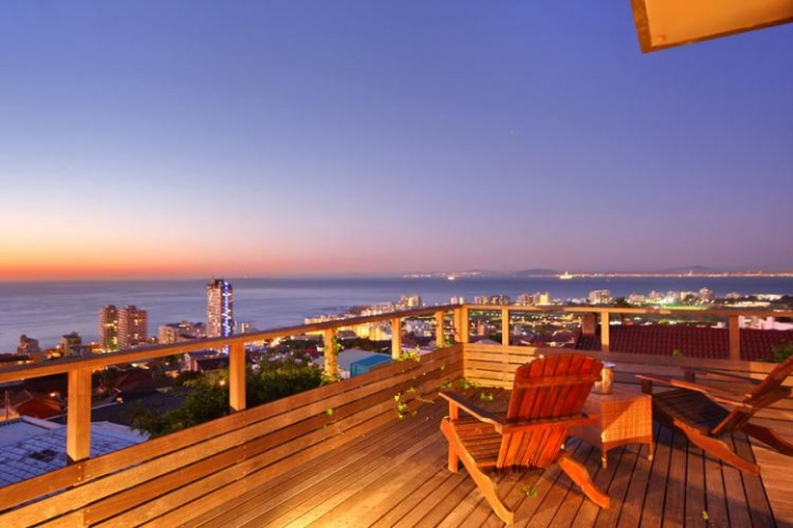 Sea-Point-ocean-view-treasure-sea-point-holiday-accommodation
