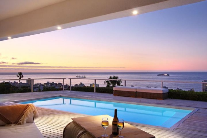 Cape Town Sea Point Holiday Apartments With Stunning Views To Rent